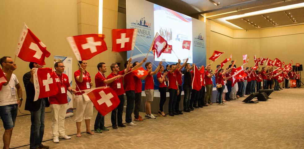 Riesiges Netzwerk an Gleichgesinnten!<br/>Vernetze Dich lokal, national oder<br/>international mit jungen Führungskräften!